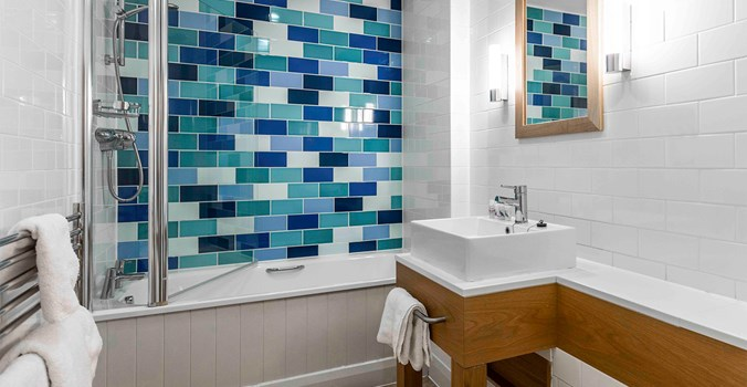 The Brudenell Hotel, Aldeburgh - standard double - bathroom