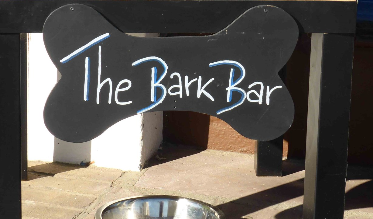 The Brudenell Hotel, Aldeburgh, the bark bar on the Brudenell terrace